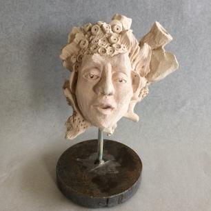 AQUA tête sur socle métal