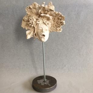 Gorgonia Tête sur socle métal
